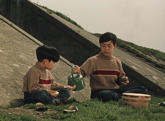 Fotograma de Ohayo (Yasujiro Ozu, 1959).