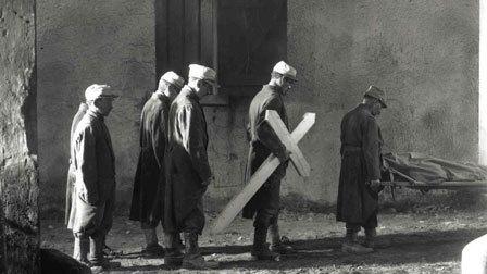 """FIGURA 117 - Still do filme """"La Croix de bois"""", de Raymond Bernard (1932)"""