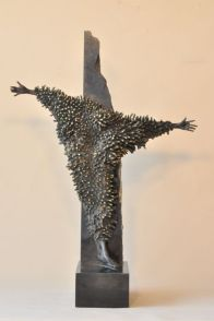 "FIGURA 237 - ""Crucifix"", escultura de Snejana Simeonova"