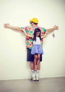 """FIGURA 248 - Fotografia da série """"The Untouchables"""", de Eric Ravelo, uma crítica à violência contra as crianças"""