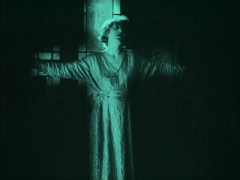 "FIGURA 50 - Still do filme ""J'Accuse"", de Abel Gance (1919)"